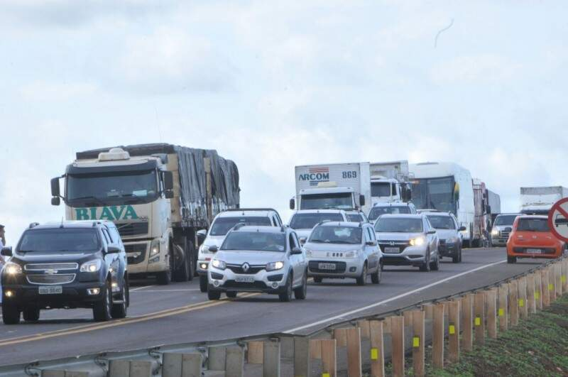 Protesto causou congestionamento nas rodovias nesta manhã. (Foto: Alcides Neto)