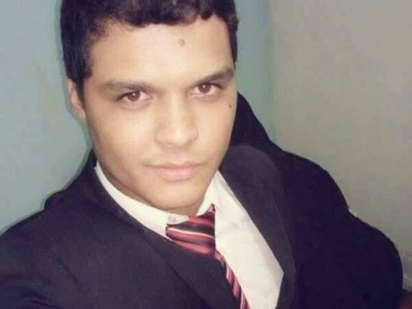 Mesaque Almeida tinha 25 anos e era pastor (Foto: Reprodução/Facebook)