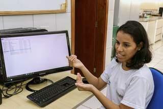 Segundo Maria Eduarda, levantamento mostra redução de 39% na área do Lago do Amor. (Foto: Henrique Kawaminami)