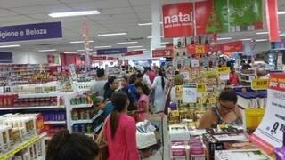 Consumidor deve ficar atento às condições oferecidas pelas lojas (Foto: Renata Volpe)