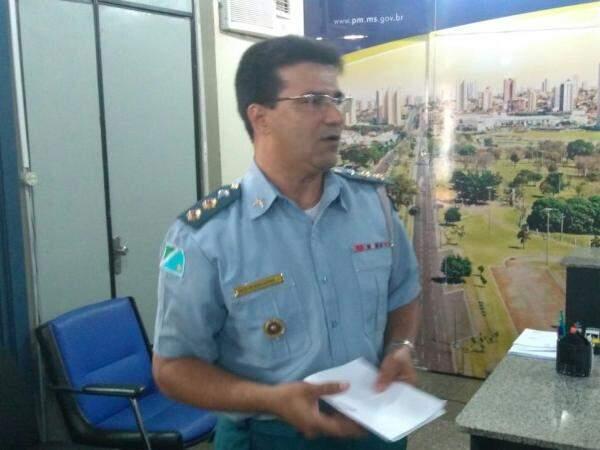 Tenente-coronel fala sobre o caso durante coletiva de imprensa (Foto: Marcus Moura)