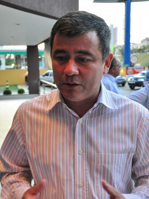 """Gerente executivo da TV Morena, Nicomedes Silva afirma que """"padrão Globo de transmissão"""" poderá restringir transmissão a 4 jogos (Foto: João Garrigó)"""