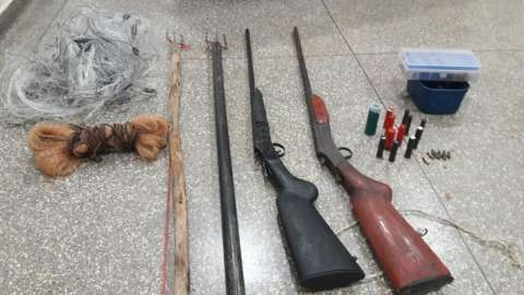 Homem e adolescente são detidos em acampamento de caça e pesca