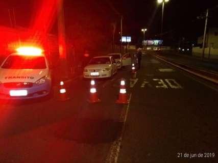 Em blitz da lei seca, 13 motoristas são flagrados dirigindo alcoolizados