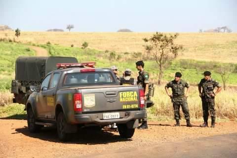 Militares do Exército chegam a área de conflito e estudam local para base