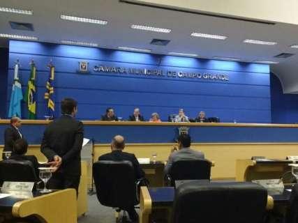 Vereadores derrubaram 28 vetos de Bernal em mais um ano conturbado