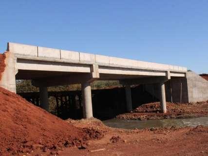 Pontes de concreto ficarão prontas em até seis meses, afirma secretário