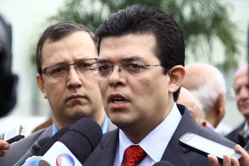 Gilmar Olarte acredita que antes do final de semana novo contrato entre a prefeitura e Santa Casa será assinado. (Foto:Marcos Ermínio)