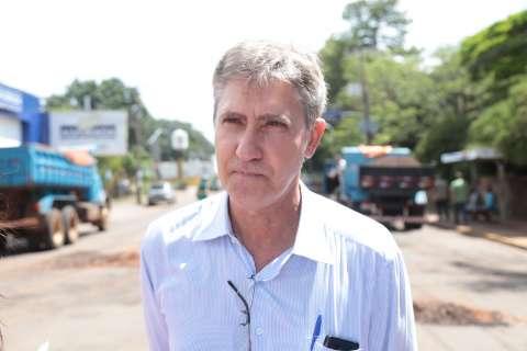 Com 30% do asfalto em estado critico, secretário defende tapa-buraco