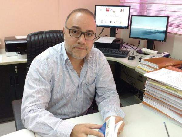 Promotor Eduardo Franco Cândia; ele diz que espera publicação da lista de sorteados até a primeira quinzena de fevereiro. (Foto: Christiane Reis)