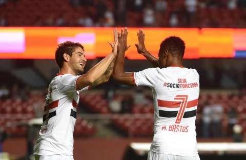 Com torcida contra, São Paulo vence Joinville e se recupera no campeonato