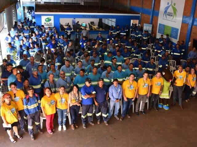 Colaboradores durante palestra que abriu campanha (Foto: Divulgação)