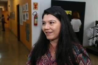A professora Idalina foi a responsável pela tradução oficial do Hino de Mato Grosso do Sul para o Guarani (Foto: Paulo Francis)