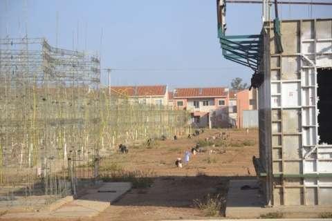 Construtora escolhida pela Caixa assume obras abandonadas pela Homex