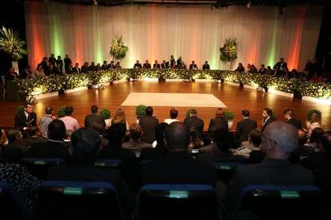 Em solenidade oficial, Câmara homenageia 85 moradores da Capital