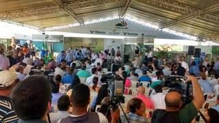 Abertura do Showtec em Maracaju reuniu visitantes e autoridades na manhã desta quarta-feira (18). (Foto: Elci Holsback)