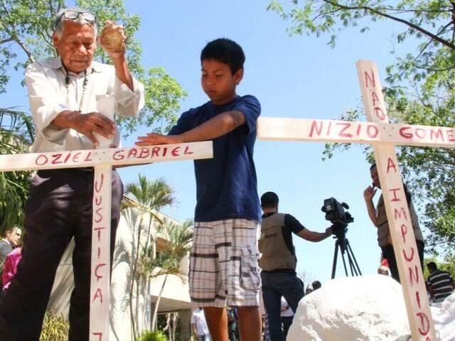 Protesto lembrou as mortes dos indígenas no estado. (Foto: Marcos Ermínio)