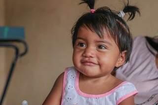 Menininha sobreviveu à cesárea de emergência feita na varanda de casa. (Foto: Fernando Antunes)