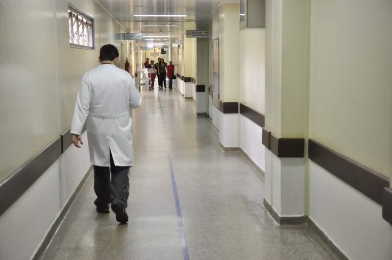 Pesquisa feita pela ouvidoria da UFGD aponta aprovação aos serviços do HU, mas greve de administrativos e médicos já compromete atendimento (Foto: Eliel Oliveira)