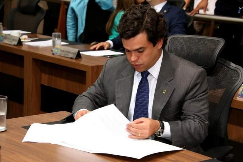 Deputado Beto Pereira apresentou projeto, na última semana antes do recesso (Foto: Assessoria/ALMS)