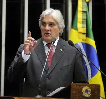 Lei da terceirização sofrerá muitas mudanças no Senado, diz Delcídio
