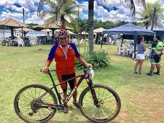 O boliviano Waldo Zevalo, de 62 anos, encarou uma viagem de carro desde Puerto Suarez para disputar o Bonito Cross (Foto; Assessoria/Divulgação)