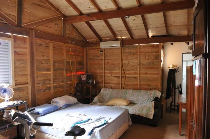 Casa ainda falta receber alguns acabamentos, mas Guilherme já está morando nela. (Foto: Alcides Neto)