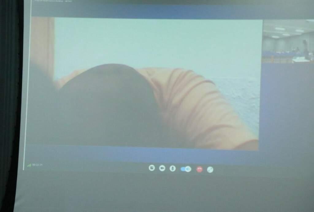 Nando não compareceu ao julgamento, sendo interrogado por meio de videoconferência (Foto: Henrique Kawaminami)