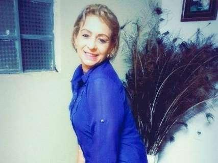 Acusado de matar a ex-mulher com chutes na cabeça continua foragido
