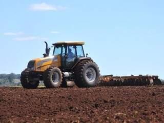 Serão adquiridas 136 unidades de maquinário agrícola (Foto: Alcides Neto)