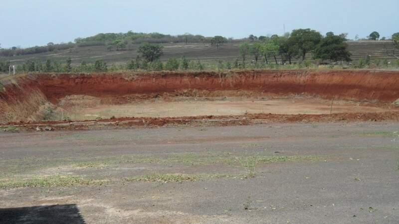 Espaço privado preparado para o descarte de entulho na Capital (Foto: CGEA/Divulgação)