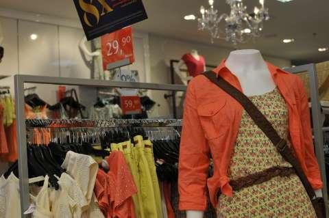 Rede abre loja no Centro e passarela ligando a shopping fica para 2015