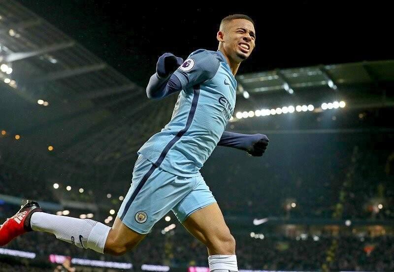 O atacante brasileiro, Gabriel Jesus, de 19 anos, estreou neste sábado pelo Manchester City (Foto: Paul Ellis/AFP)