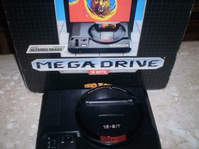 Primeiro modelo de Mega Drive lançado no Brasil (Foto: Thiago Barcellos)