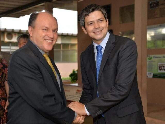 Presidente da Assembleia Legislativa e ex-prefeito de Coxim, o deputado estadual Junior Mochi (PMDB) prestigiou a posse.