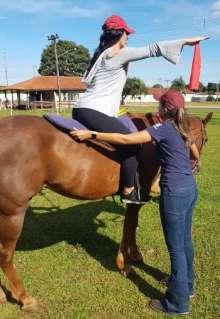 Pilates no cavalo é nova modalidade que promete efeitos para o corpo e a mente