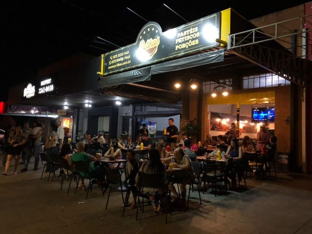A P-Tikos Pastelaria e Petiscaria fica na Avenida Bom Pastor, 265, Bairro Vilas Boas. (Foto: Divulgação)