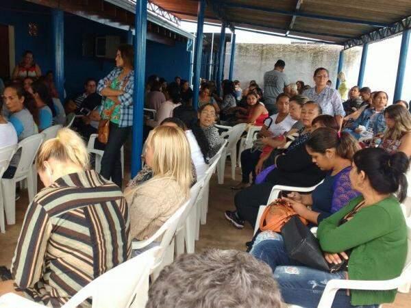 Cerca de 100 trabalhadores participaram de assembleia no sindicado, na manhã desta quarta-feira (21) (Foto: Yarima Mecchi)
