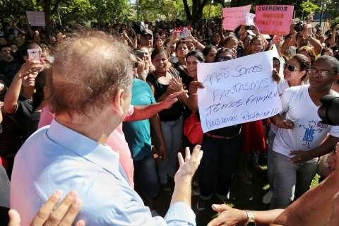 Bernal diz a terceirizados que pode fazer contrato emergencial em creches