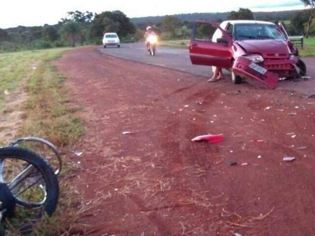 Motociclista de 49 anos morreu no local do acidente (Foto: Edição de Notícias)