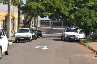 Rua Paraná foi transformada em mão única entre Cearé e João Akamine. (Foto: Marcelo Calazans)