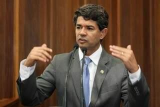 Líder do governo alterará projeto que prevê registro de tipo sanguíneo em carteira de identidade (Foto - Divulgação)