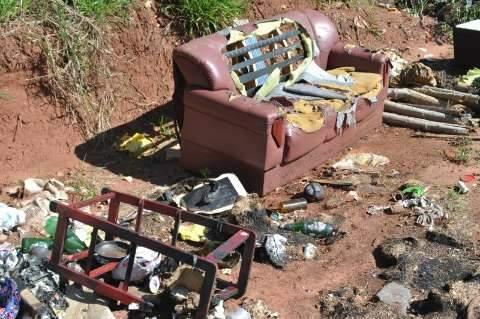 No Dia do Meio Ambiente o que não falta na Capital é área que virou lixão