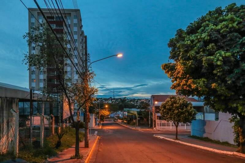 Segunda-feira em Campo Grande amanhece nublada e com mínima de 21ºC. (Foto: Fernando Antunes)
