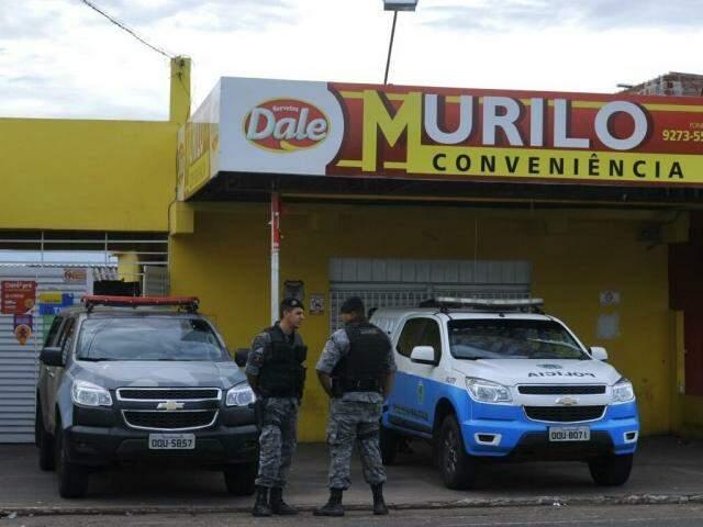 Polícia está no local, apurando como ocorreu o crime. (Foto: Alcides Neto)
