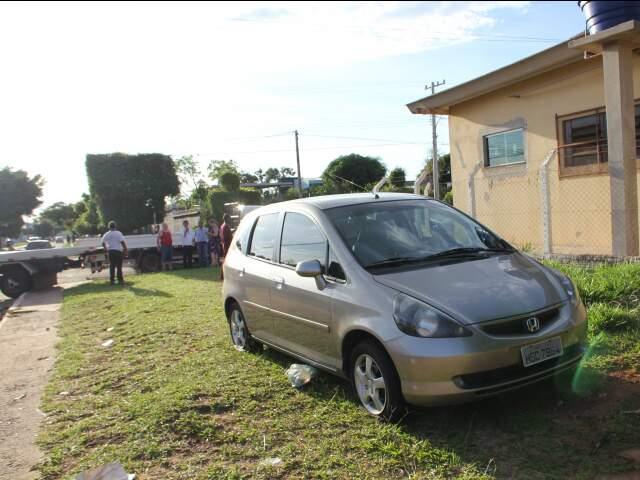 Motorista do Honda Fiat se atrapalhou na hora de sinalizar conversão. (Foto: Elverson Cardozo)