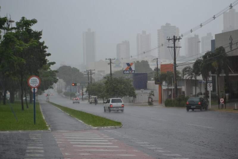 Chuva e ventos atingiram Capital e interior. (Foto: Helton Verão)