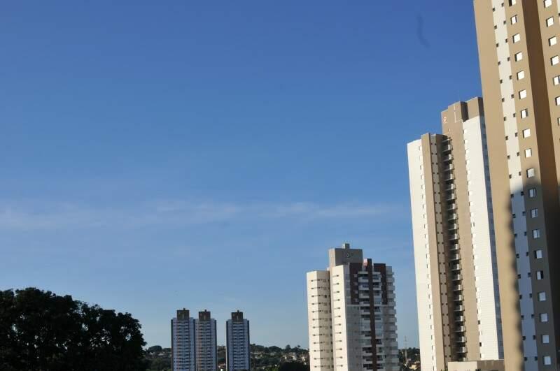 Pela manhã o tempo deve ficar parcialmente nublado. (Foto: Alcides Neto)
