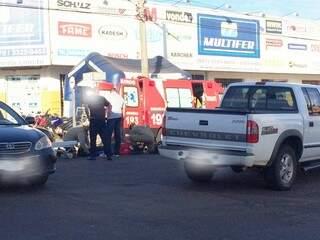 O desrespeito ao semáforo que fica no cruzamento, pode ter motivado o acidente.(Foto:Direto das Ruas)