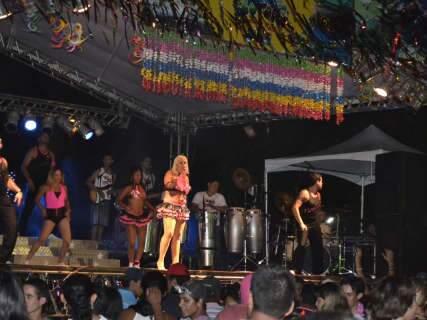 Carnaval em Bonito tem bloco interditado e folia fora da avenida